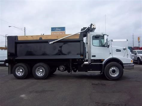 2017 volvo truck for sale 2017 volvo dump trucks for sale used trucks on buysellsearch