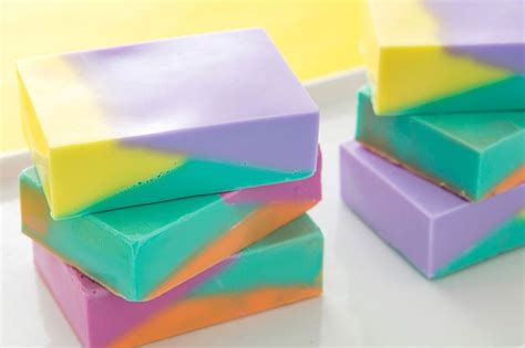 Base Sabun Melt And Pour Chip Soap With Refined Shea Butter colored soap 21