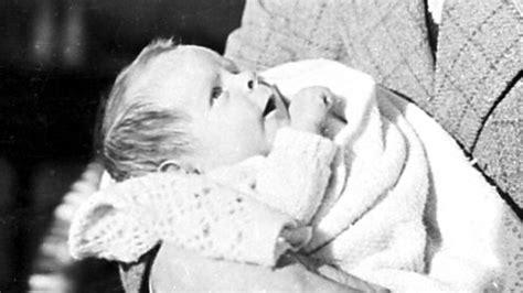 albert einstein biography ks2 bbc iwonder a brief history of stephen hawking