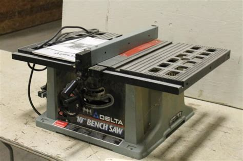 delta 10 bench saw lot 137 delta 10 quot motorized bench saw model 36 540 type 2