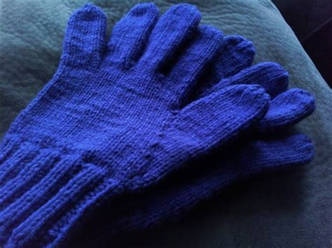 knitting pattern for childrens gloves they are all of me easily adjustable knitted glove pattern