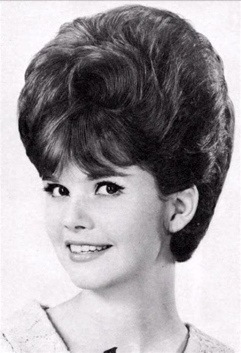 1960s hairstyles wiki american hairstyles from the 1960s big teased hair