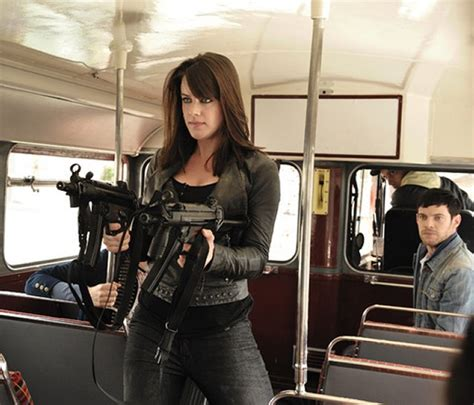 michelle ryan death in paradise bus michelle