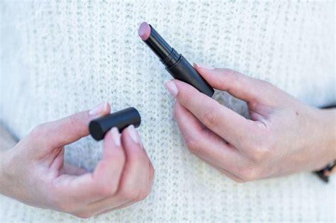 Catrice Lipstick Mauve warm sweater ajdas