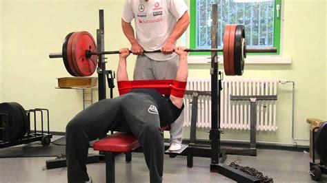 slingshot bench press bankdr 252 cken mit engem griff close grip bench press
