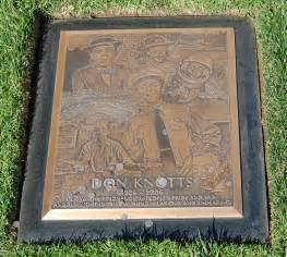 knotts funeral home file don knotts grave at westwood memorial park