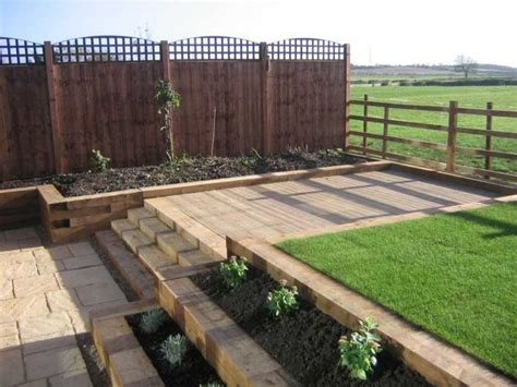 Railway Sleepers Swindon by Best 25 Sleeper Retaining Wall Ideas On