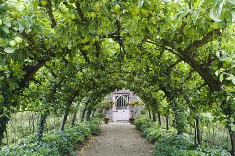 royal garten inspirational destinations the royal gardens at highgrove