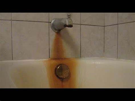clean  bathtub remove rust clean hard water stains  bar keepers friend youtube