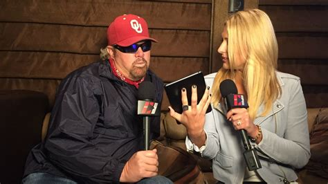 toby keith football toby keith plays football guessing game cusinsiders
