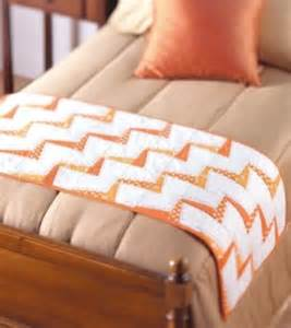 Free Bed Runner Quilt Patterns by Free Pattern Lightning Bolt Table Bed Runner Quilting