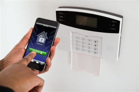 home alarms let users keep default credentials