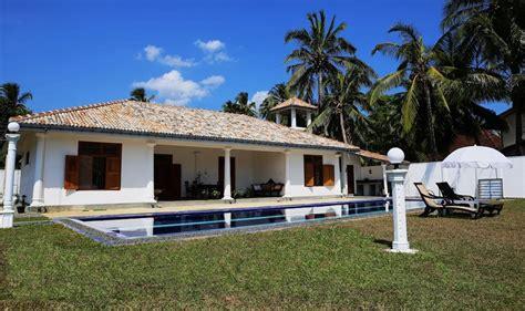 Salon Style Colonial by Salon Style Colonial Architecture De La Maison