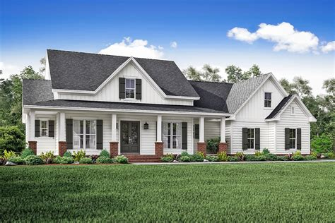 farmhouse design 3 bedrm 2466 sq ft country house plan 142 1166