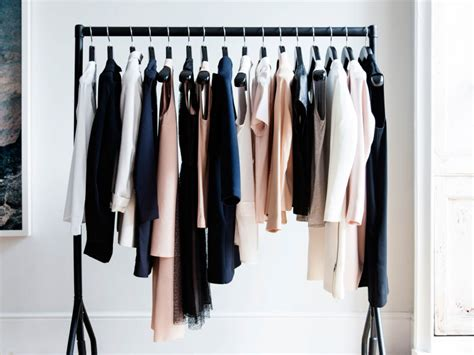 Minimilist Wardrobe by Five Ways To Maintain A Minimalist Wardrobe S