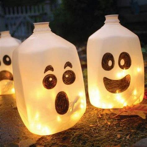 milk jug ghosts using christmas lights holiday fun