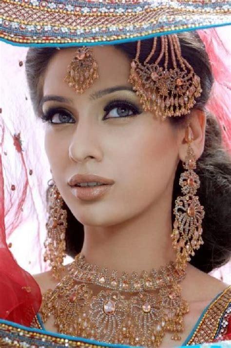 Simple Bridal Makeup For Indian Skin