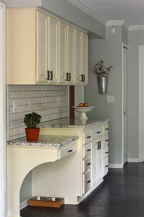 chalk paint kitchen cabinets reviews beautiful chalk paint kitchen cabinets before and after