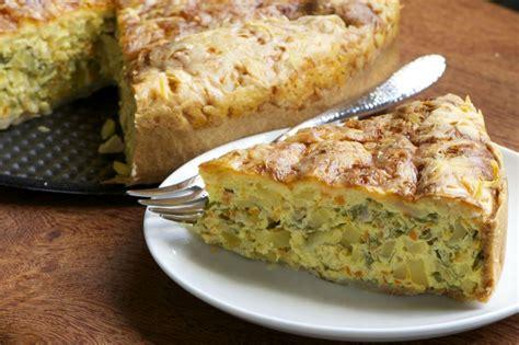 sebzeli patates keki kek tarifleri pratik ve lezzetli 22 fırında sebze yemeği tarifi yemek com