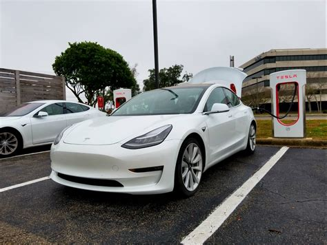 tesla model 3 delivery numbers tesla 2017 sales model 3 disappoints in record year