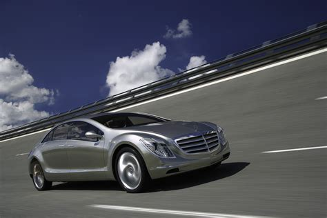 future mercedes s class mercedes benz f 700 road to the future picture 32783