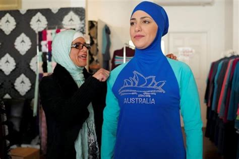 Baju Renang Berjilbab satu harapan prancis protes perempuan berjilbab dilarang masuk restoran
