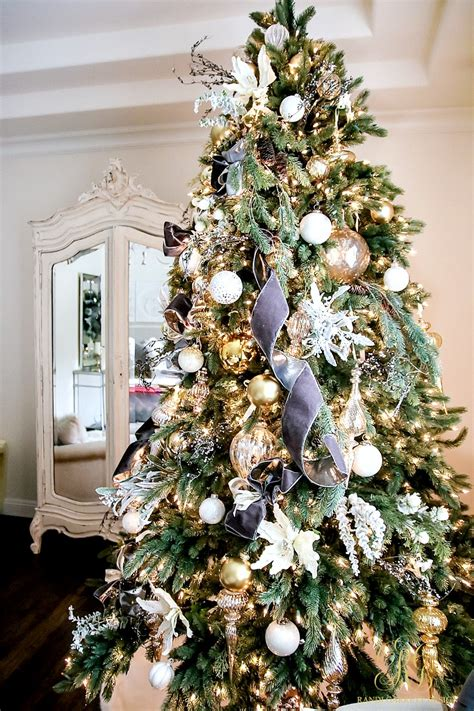 How To Decorate Tree Like A Professional by How To Decorate Your Tree Like A Professional