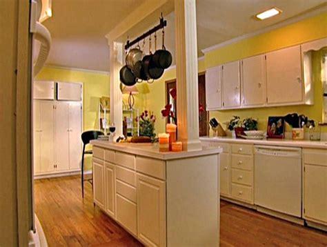 20 kitchen island designs 20 beautiful kitchen island designs with columns