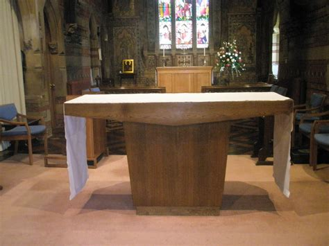 the lord s table file the lord s table within st jude englefield green