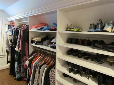Closet Systems Atlanta by 17 Best Ideas About Sloped Ceiling On Sloped