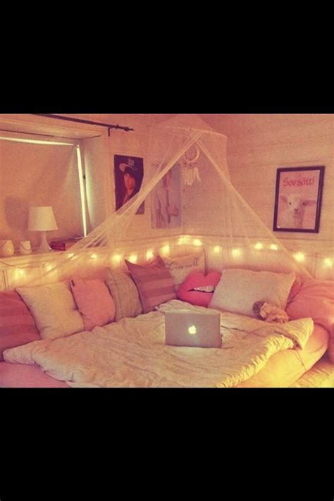 cushions for girls bedroom 1000 ideas about turquoise teen bedroom on pinterest
