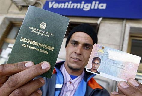 titolo di soggiorno tunisian migrant la foto giorno corriere della sera