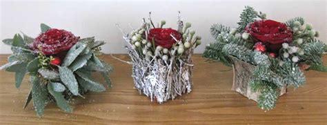Tafel Kerstversiering Maken by 3 Kleine Kerststukjes Voor Op De Feesttafel