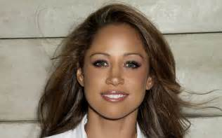 stacey dash eye color black community up in arms after fox news hires dash