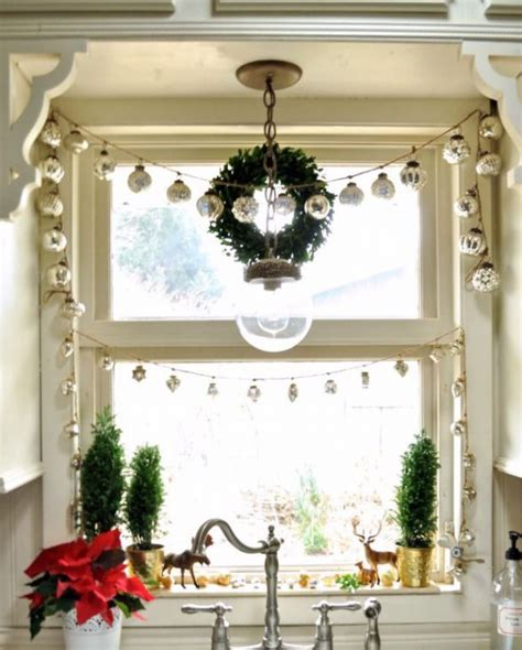 garland home decor 38 amazing christmas garlands for home d 233 cor digsdigs