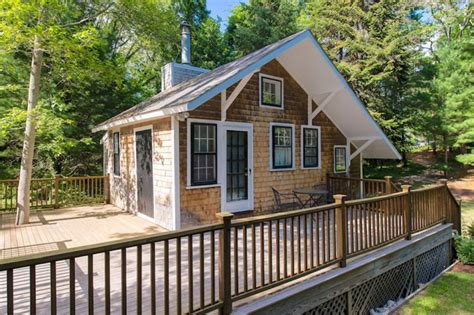 log cabin kits for 10000 348 sq ft tiny cottage in cape cod efficiency house