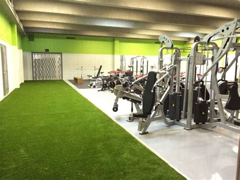 artificial grass gym crossfit conditionning gyms