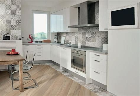 piastrelle marche 17 migliori idee su cucina con pavimento in piastrelle su