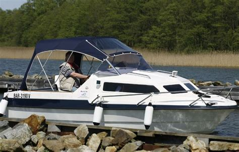 motorboot fahren frau motorboot fahren in neuruppin als geschenk mydays