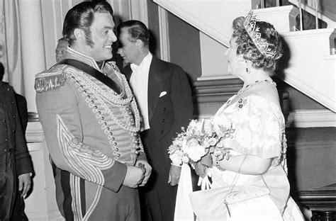 pavarotti best performance luciano pavarotti celebrating the great tenor s 80th