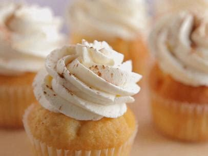 tres leches cake episode 175 tres leches cupcakes recipe food network