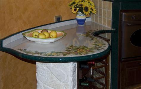 cucinare con la pietra lavica progettiamo e realizziamo cucine romantiche con top in