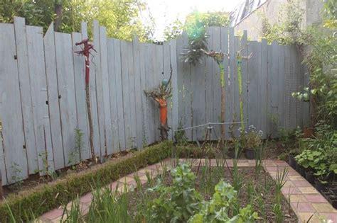 cloture jardin 224 recycler du bois de coffrage en cloture de s 233 paration de