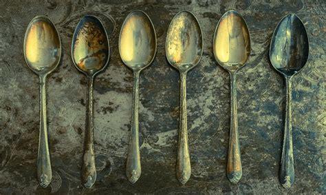 come pulire l argento in casa come pulire l argento ossidato e annerito metodi naturali