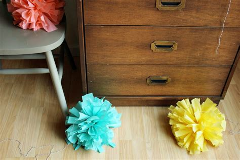 How To Make Crepe Paper Pom Poms - diy crepe paper pom c the sweetest occasion the