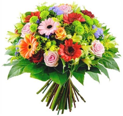 ramo de rosas rojas regalo perfecto para mama este 10 de mayo how to make a bouquet of red roses ramo de flores variado a domicilio con flores4you