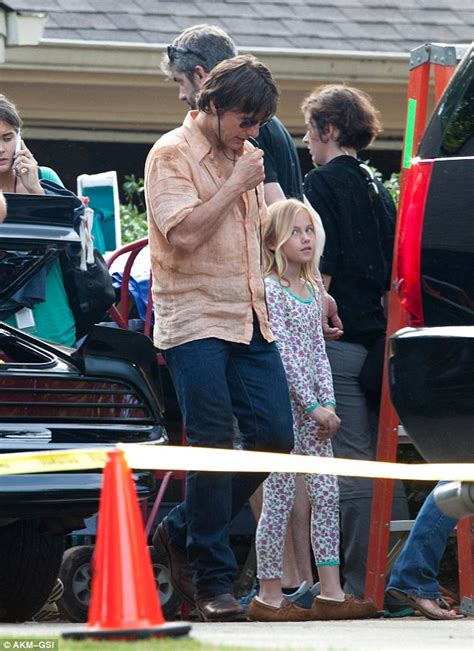 Set Family New 28 tom cruise has missing tooth on set of mena for barry