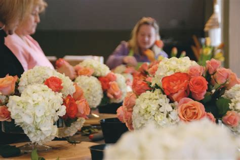 flower arranging class floral design 101 the sweetest occasion