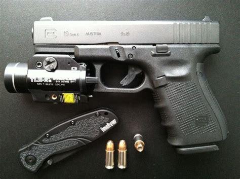 glock 19 tactical light best 25 glock 19 4 ideas on guns plate