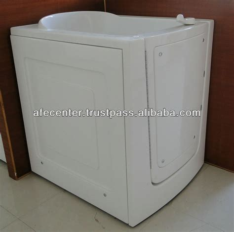 Portable Walk In Bathtub by Portable Walk In Bathtub Outward Opening Door Out Opening